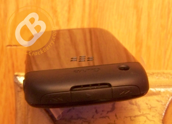 blackberry-curve-8520-3