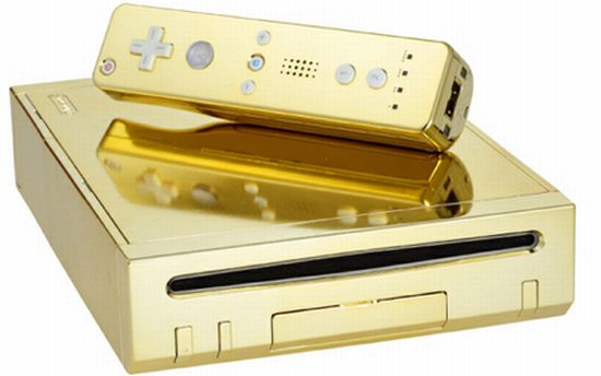 queen-gets-gold-plated-wii