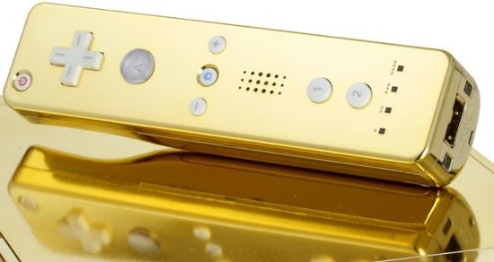 queen-gets-gold-plated-wii1