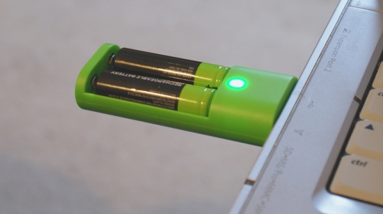 USB-Battery-Recharger-Charging