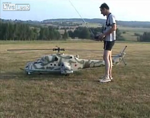 Worlds Biggest RC Helicopter