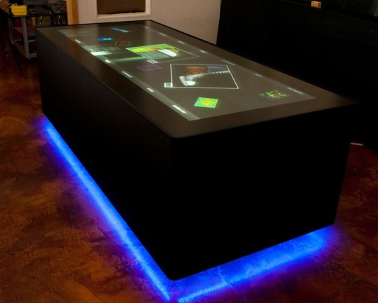 ideum_ultra-wide_touchscreen_table